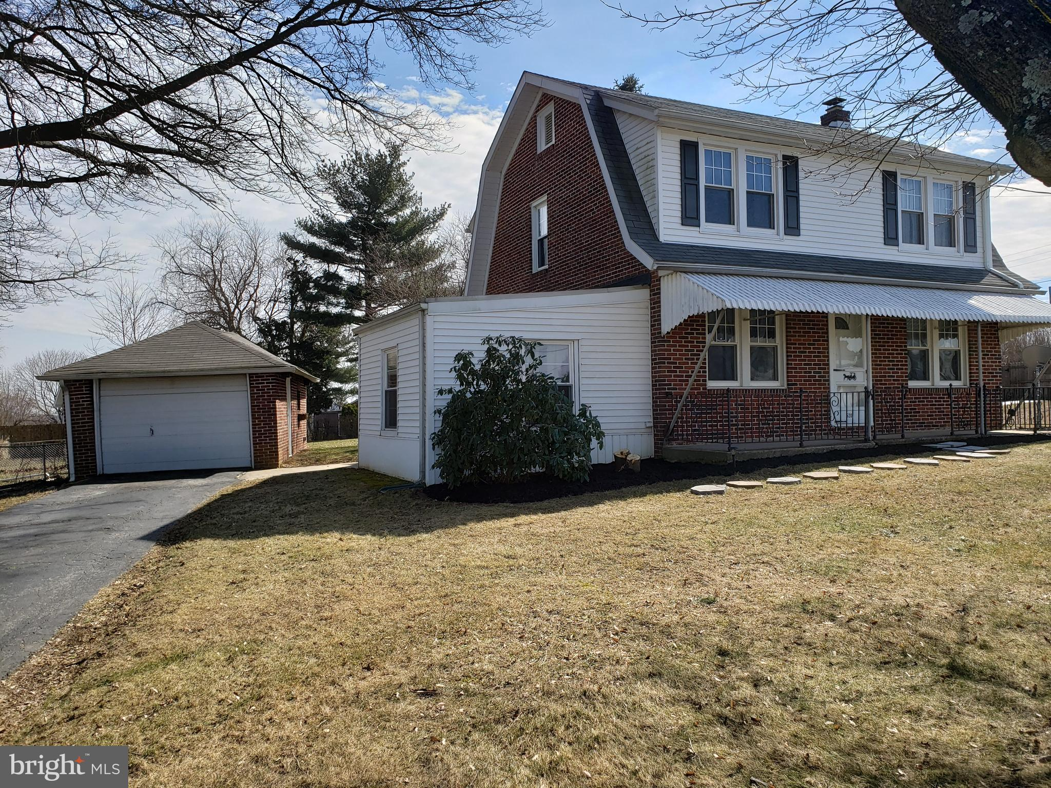 520 MANOR ROAD, WINDSOR, PA 17366