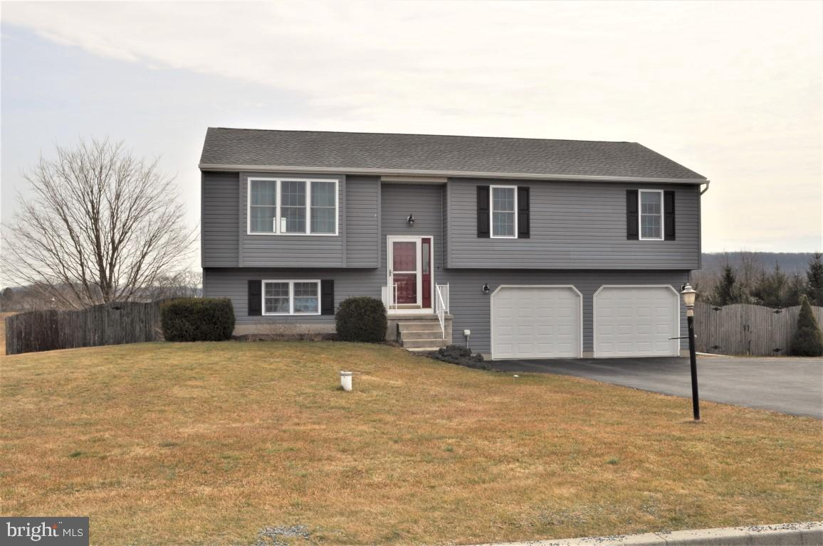 6902 PLEASANTVIEW DRIVE, THOMASVILLE, PA 17364