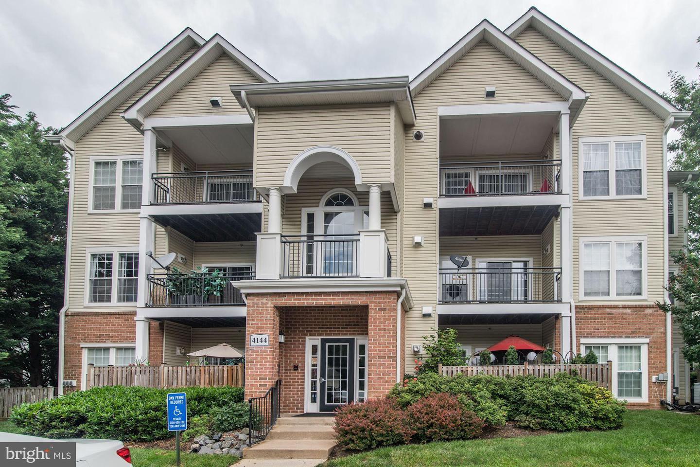 4144 Fountainside Ln #102 Fairfax VA 22030
