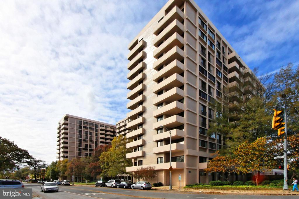 Open House Saturday 3/23, 1-4pm! 4141 N. Henderson Rd #1001 is a spacious 1 bedroom home in Ballston's highly sought after Hyde Park Condominium. Enjoy unobstructed, panoramic views of Washington through the floor to ceiling windows and on the large private balcony, perfect for fireworks! The master bedroom features a built-in bookcase, large walk-in closet with custom organizer and new lighting. Hyde Park residents can take full advantage of the outdoor pool, party room, picnic area with grills and much more. With 2 laundry rooms on each floor, all utilities included in condo fee, renovated lobby and staffed front desk Hyde Park is a wonderful place to call home. Close to the new Ballston Quarter destination, Metro, shopping, dining and much, much more!  Parking is available for rent: $225 per year for 1st space, 2nd space available for $375/Year, 3rd space for $675/year.