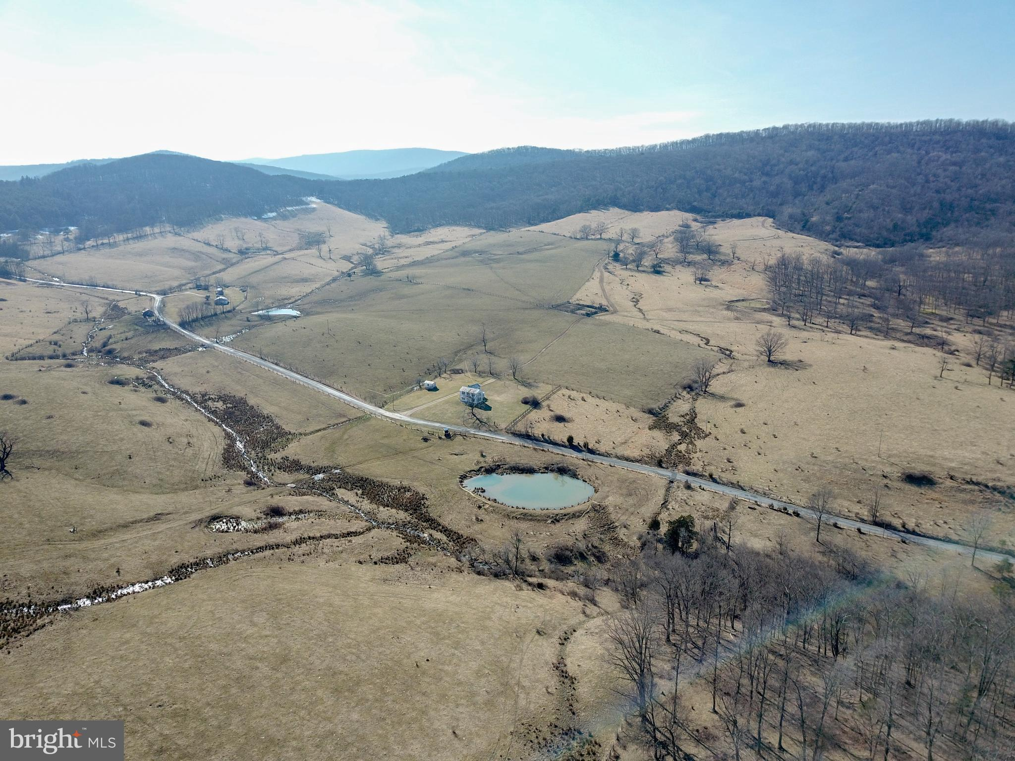 6724 SOUTH FORK LITTLE CACAPON RD, KIRBY, WV 26755