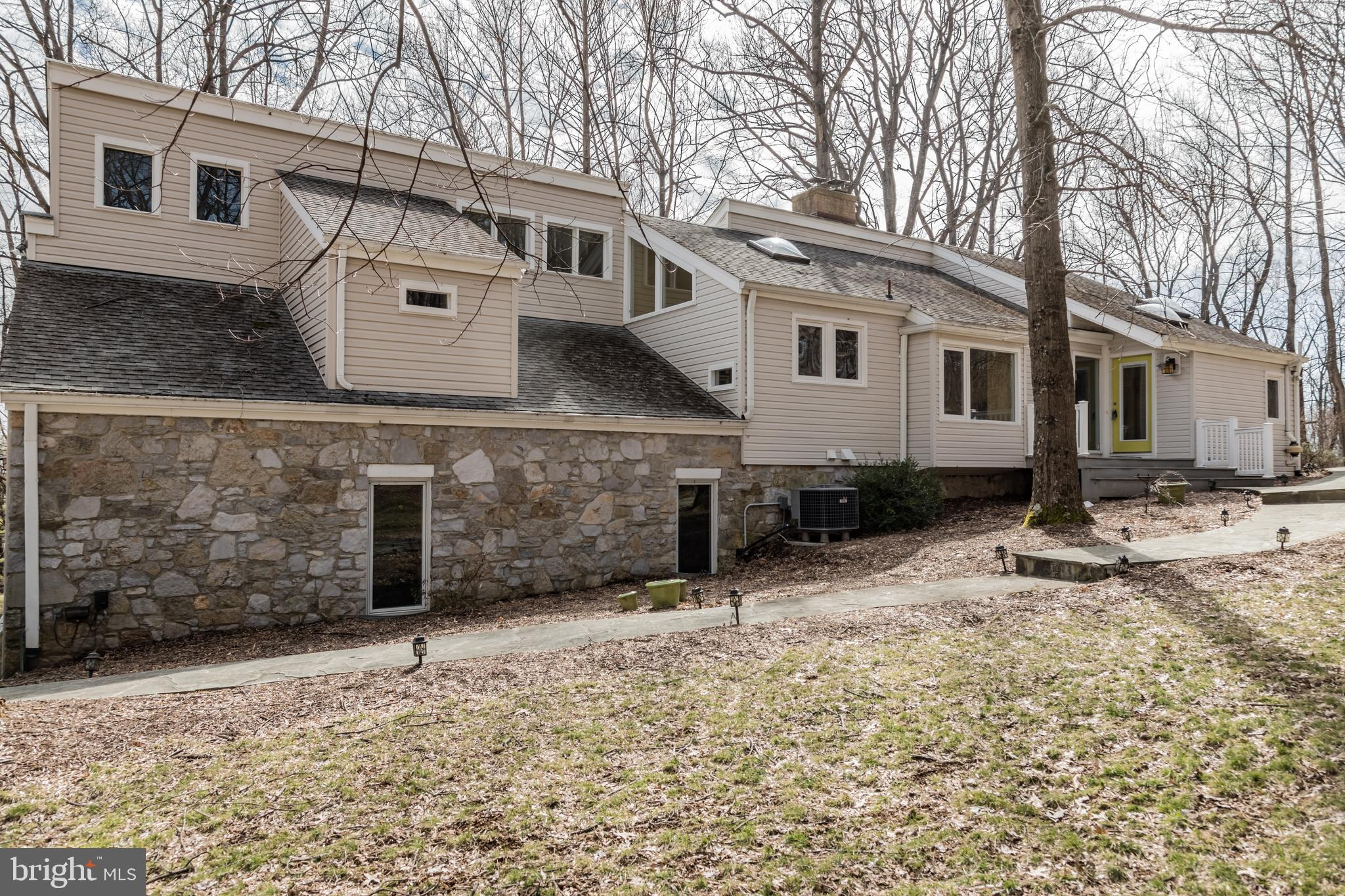 122 CLEARVIEW DRIVE, CLEAR BROOK, VA 22624