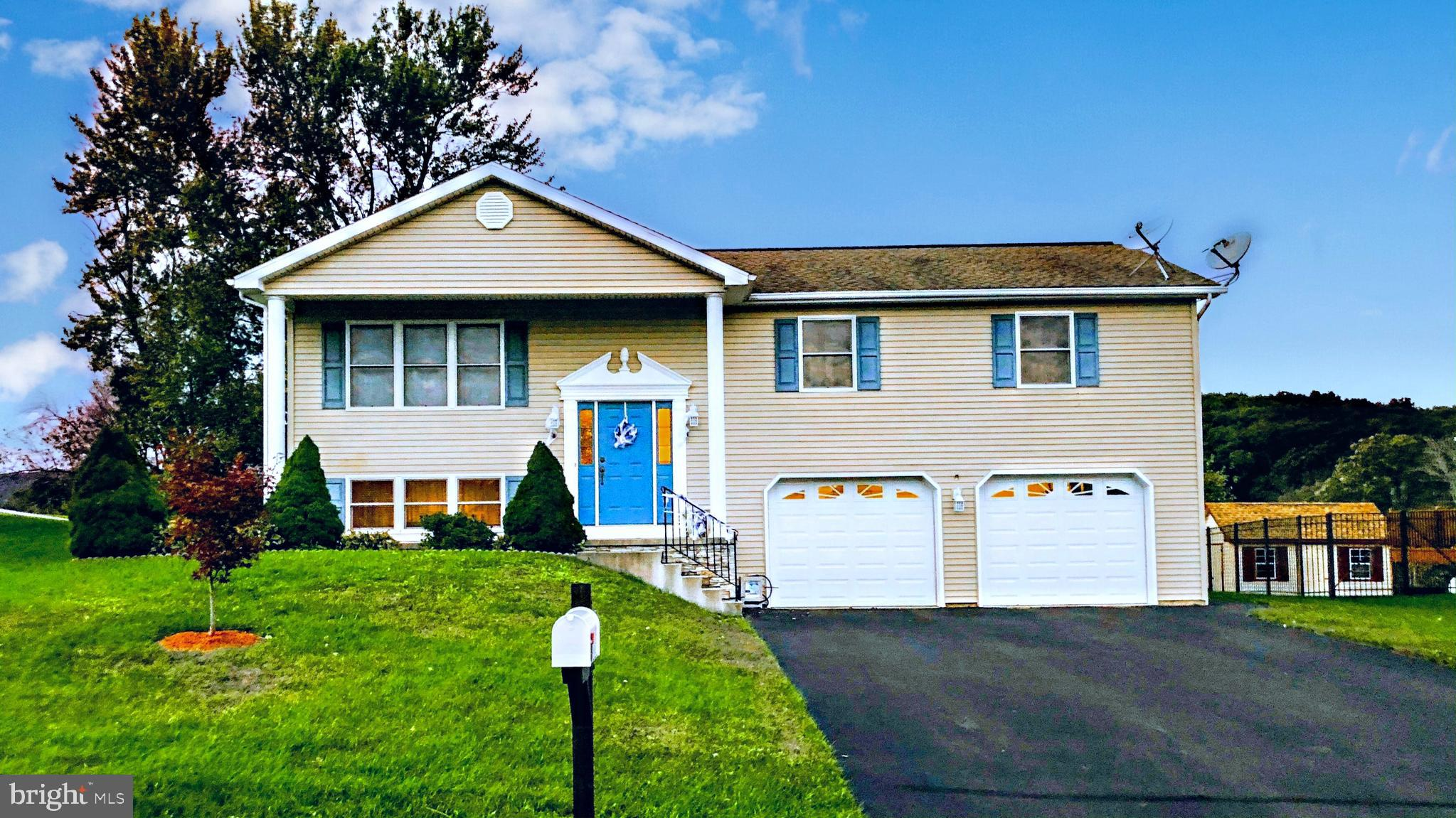 145 WOODRING ROAD, DRUMS, PA 18222