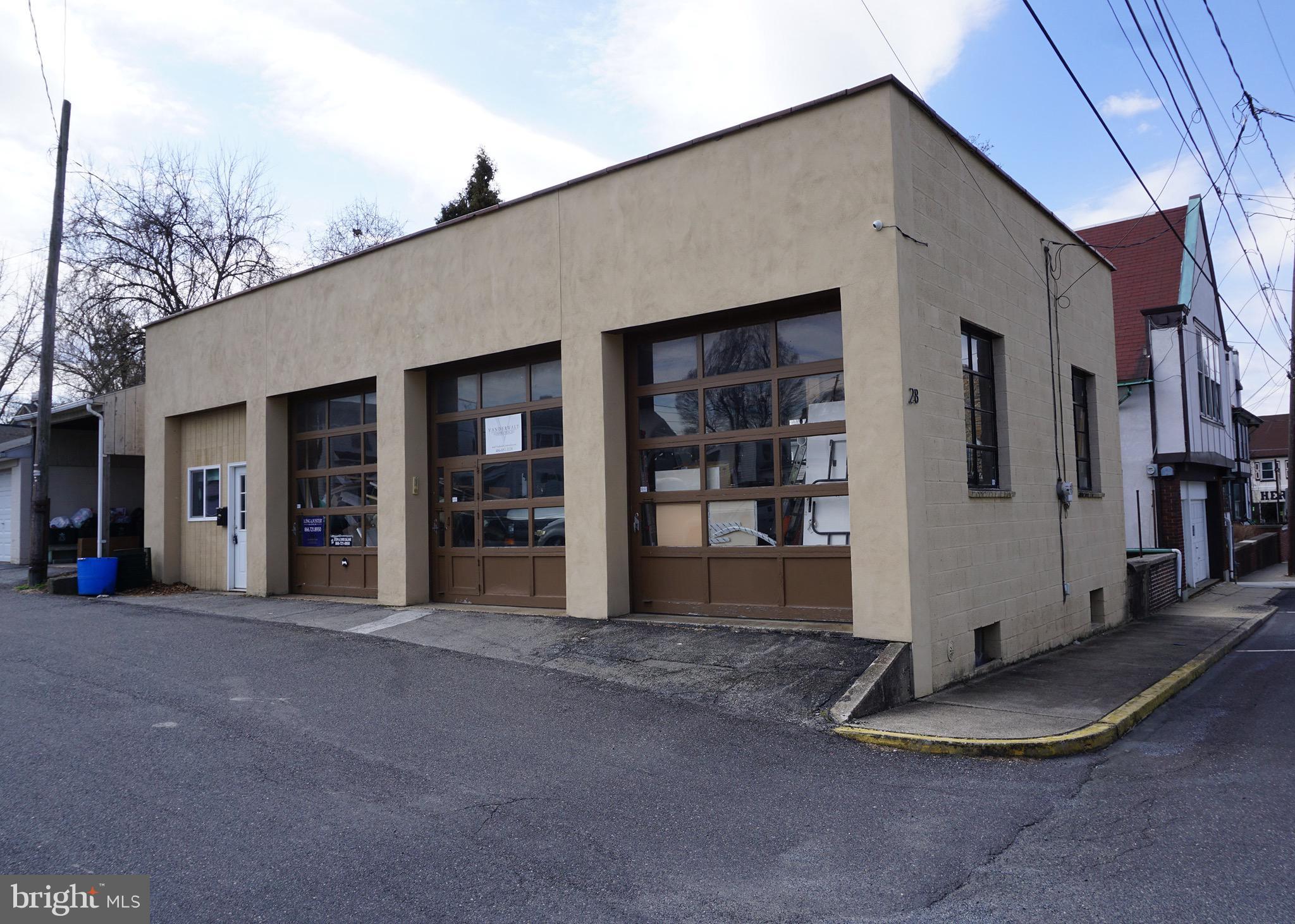 28 PENN STREET, HELLERTOWN, PA 18055