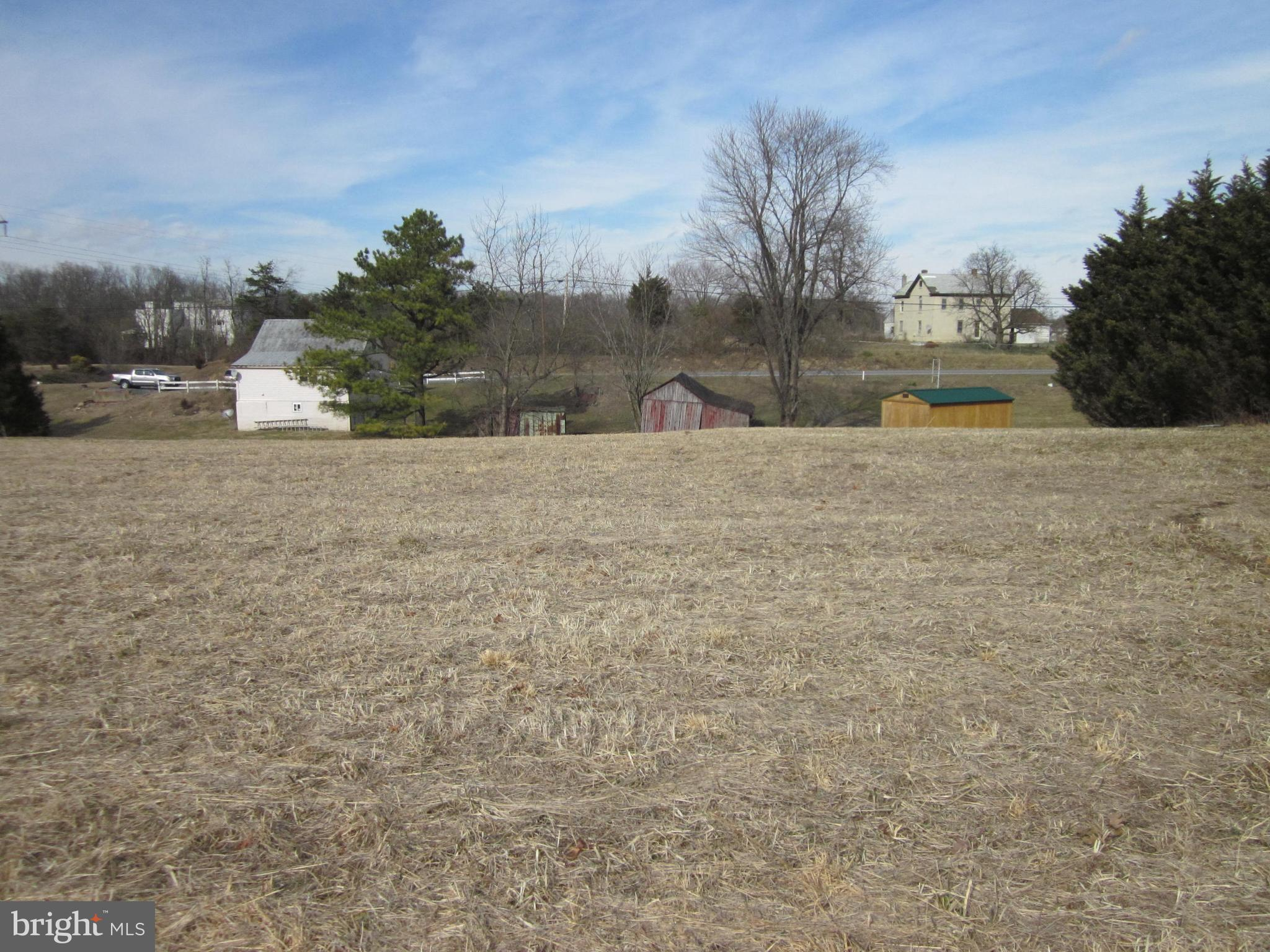 2648 MIDDLEWAY PIKE, BUNKER HILL, WV 25413