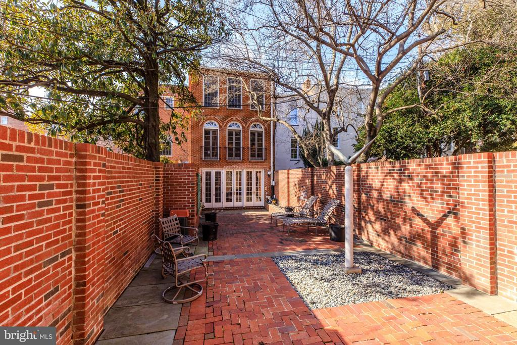 First Open House This Sunday (3/24/19) from 2pm to 4pm.  Spectacular 3,132 Sq.Ft. East-Village Residence.  Pristine renovation with period details and today's modern amenities.  Elegant Double Living Room, Banquet Size Dining Room, Trophy Kitchen with Breakfast Bar, and the spacious Family Room opens to a lovey, deep Terraced Garden.  Two Bedroom and 2.5 Baths on three finished levels.  This is a unique Georgetown Opportunity.