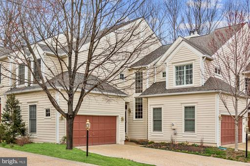 11434 Hollow Timber Ct Reston VA 20194