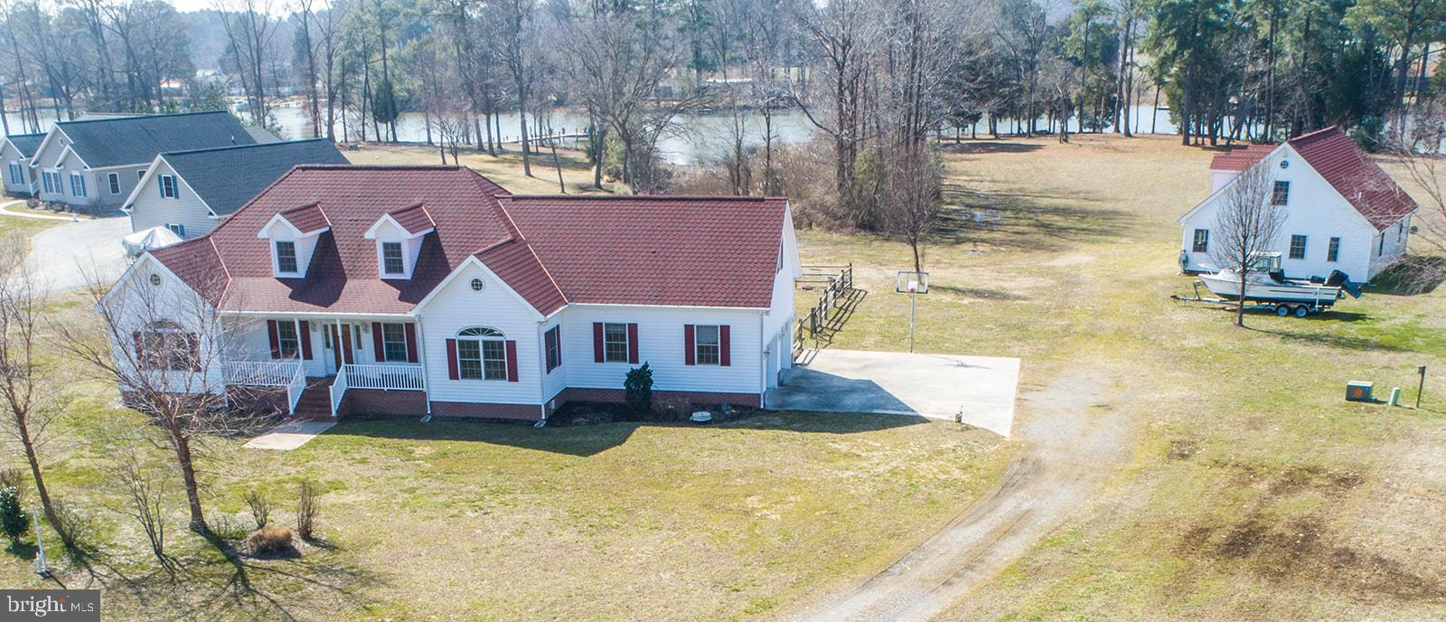 354 SAFE HARBOR LANDING, HAGUE, VA 22469