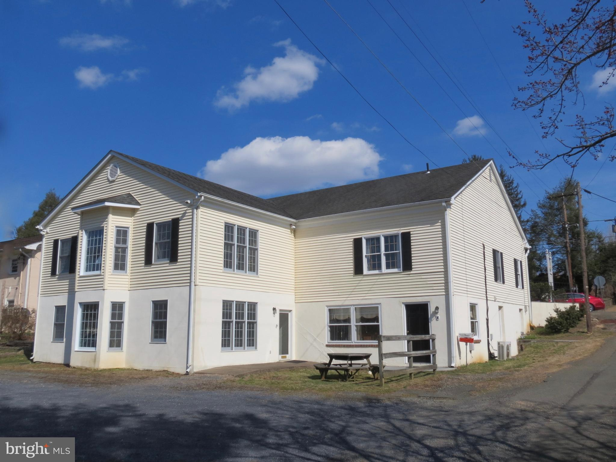 211 MAIN STREET, WASHINGTON, VA 22747