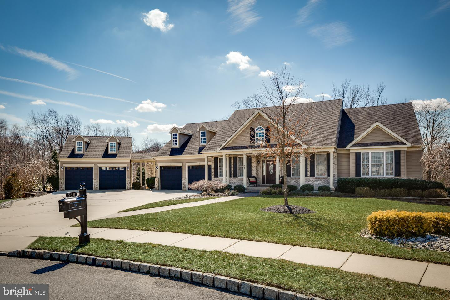 568 FOX HOLLOW COURT, MICKLETON, NJ 08056