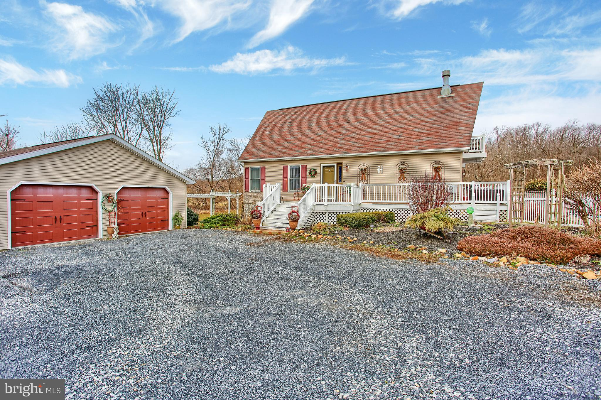 16 CENTRAL VIEW ROAD, DILLSBURG, PA 17019