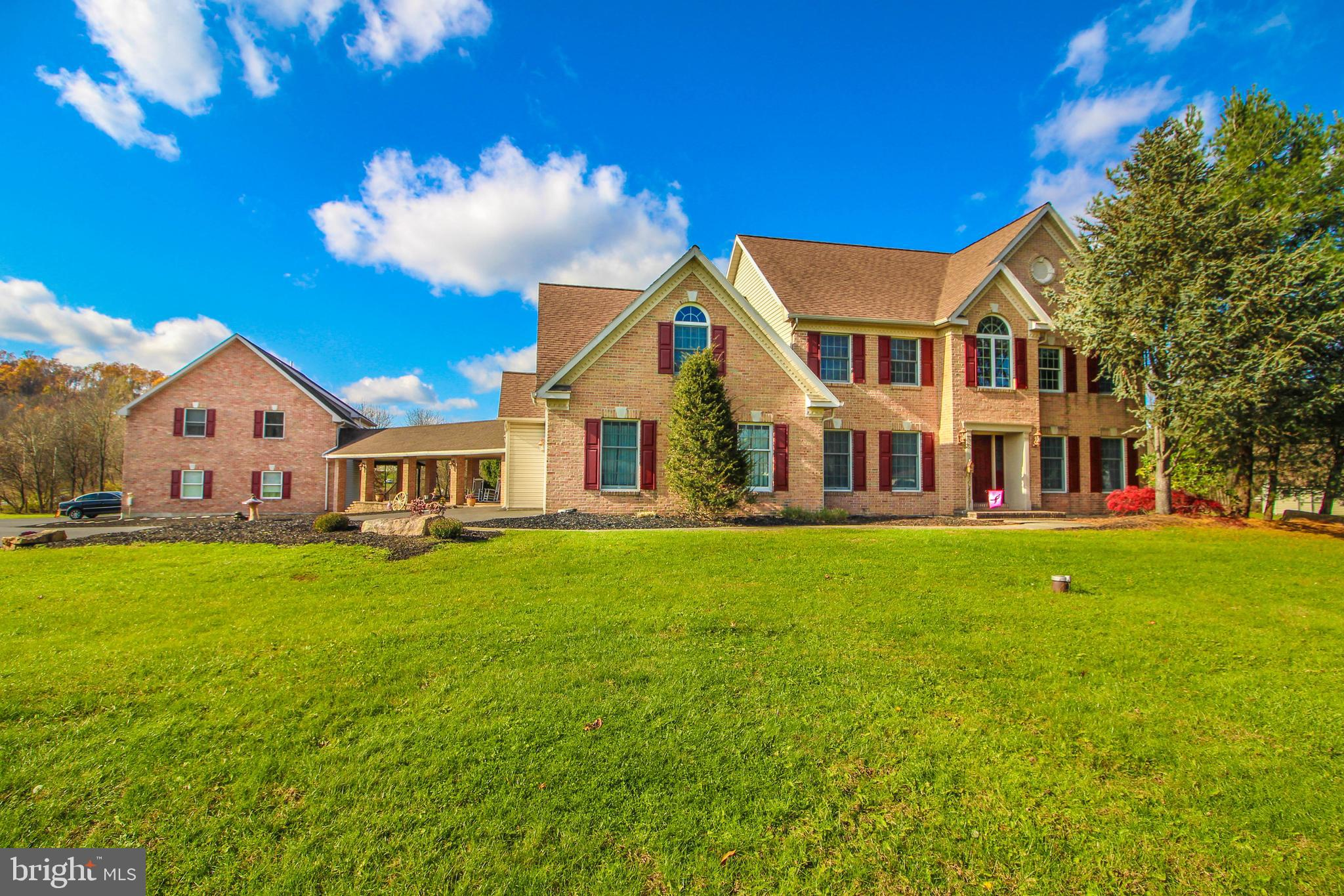 4285 KOZY KORNER ROAD, CENTER VALLEY, PA 18034