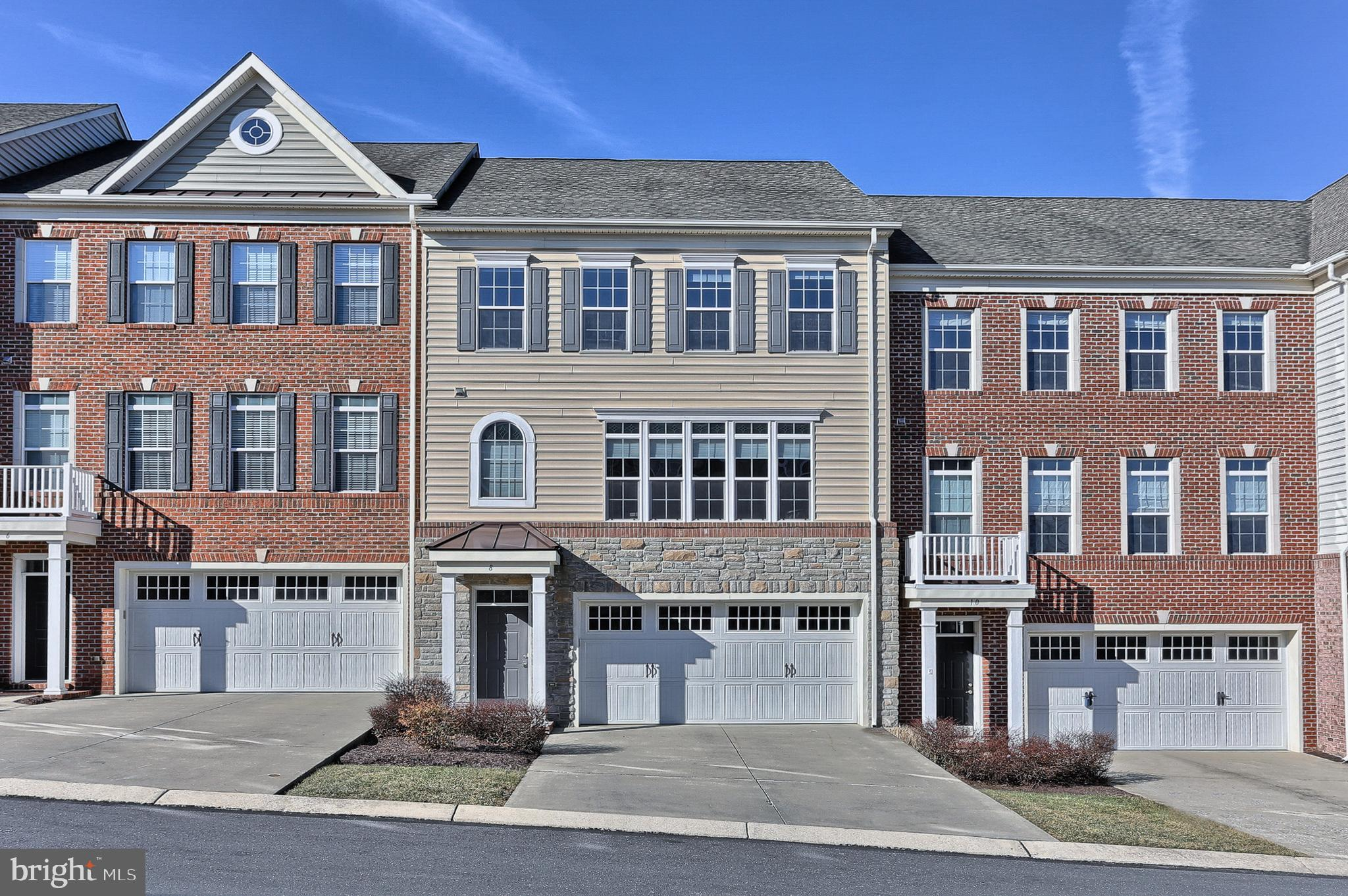 8 INDIANA CIRCLE, LEMOYNE, PA 17043