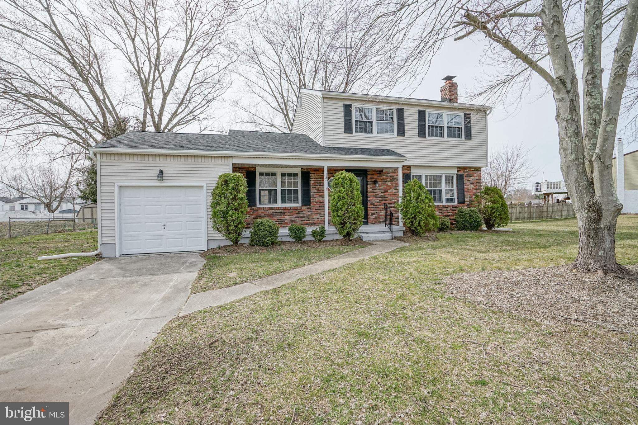 18 LAKEVIEW DRIVE, WATERFORD WORKS, NJ 08089