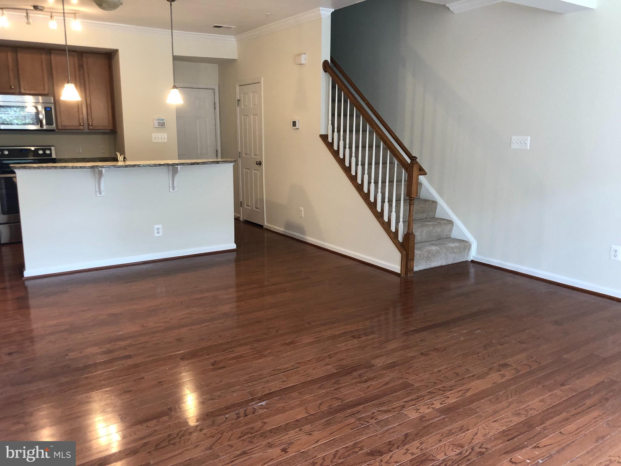 Great 3 bed 2.5 condo wood flooring, new carpet,   Granite countertops stainless steel appliances. vacant show anytime.