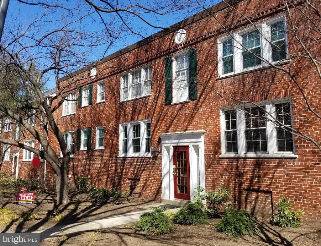 Rare Efficiency in Colonial Village features eat-in kitchen with space for table + 4 chairs! Generous closet and storage space. Backs to private wooded parkland. Owner will give purchaser $10,000 renovation/decorating credit w/full price offer!