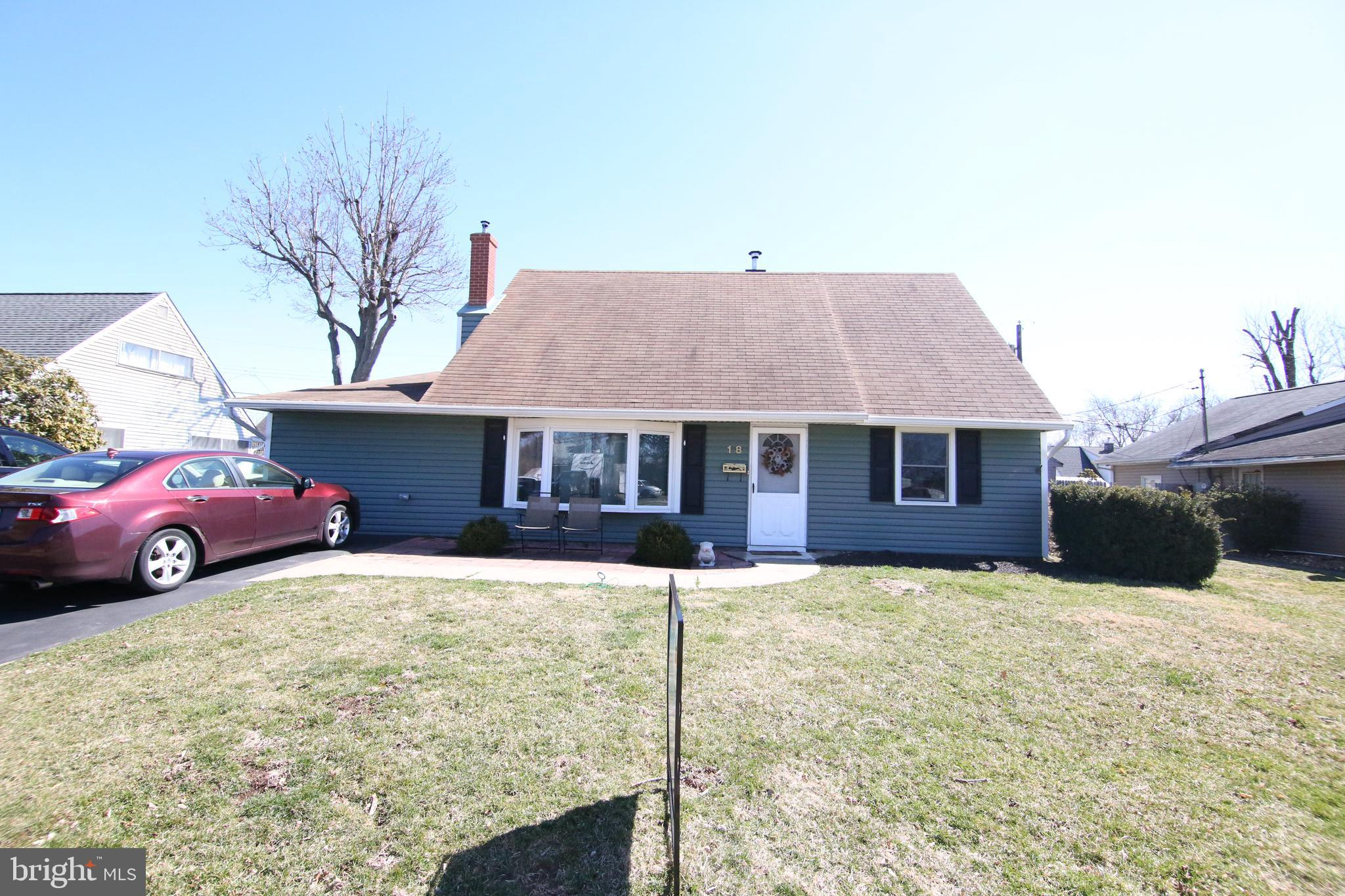 18 CRYSTAL PLACE, LEVITTOWN, PA 19057