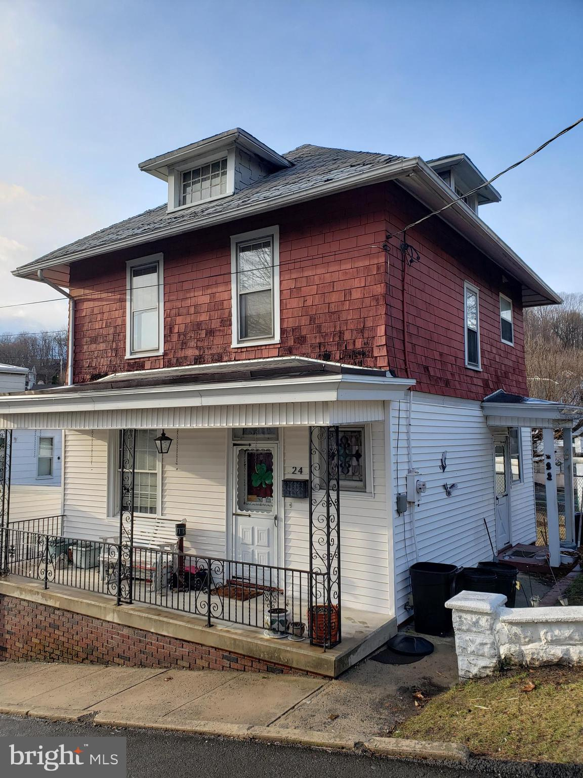 24 NORTH STREET, PORT CARBON, PA 17965