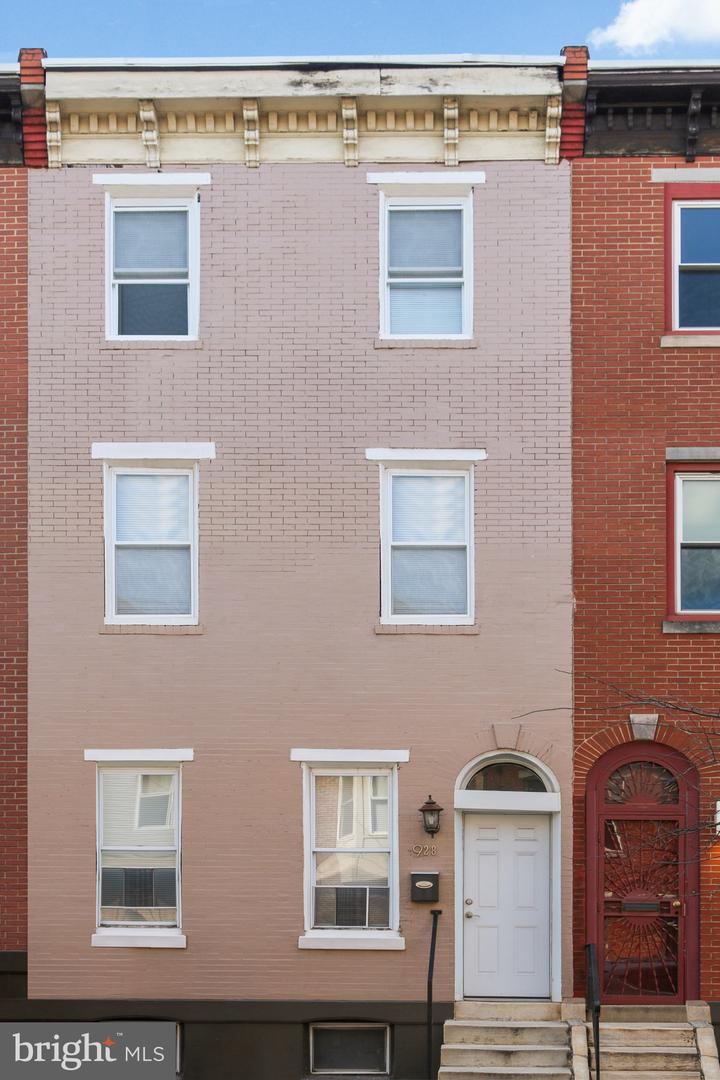 928 S 18TH Street Philadelphia, PA 19146