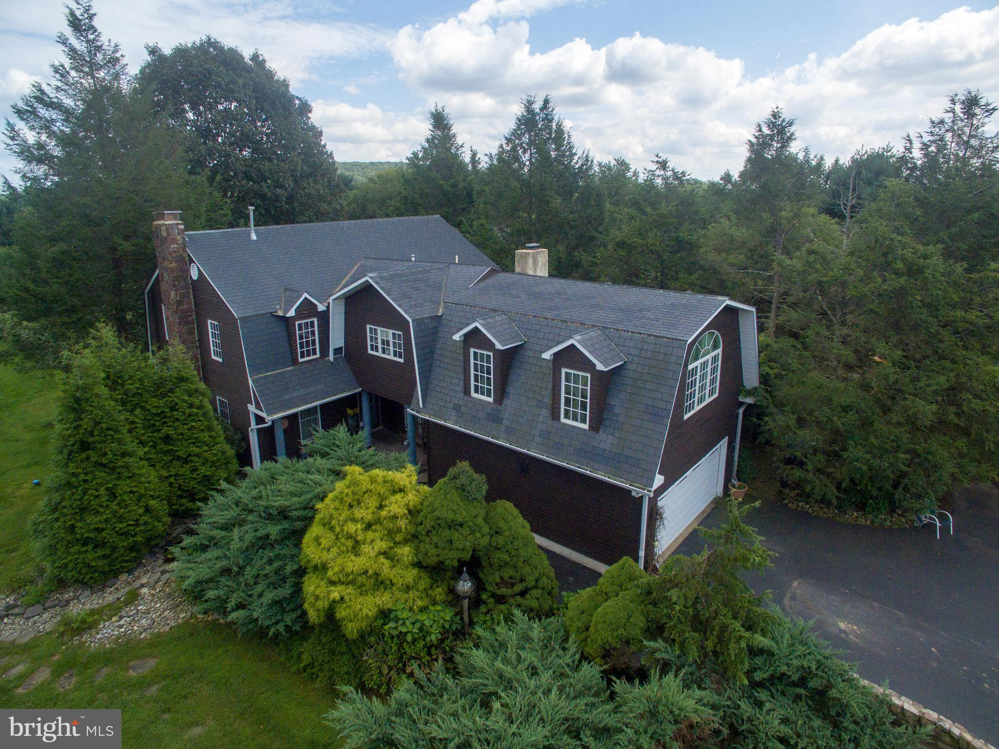 520 SUMMIT LANE, RIEGELSVILLE, PA 18077