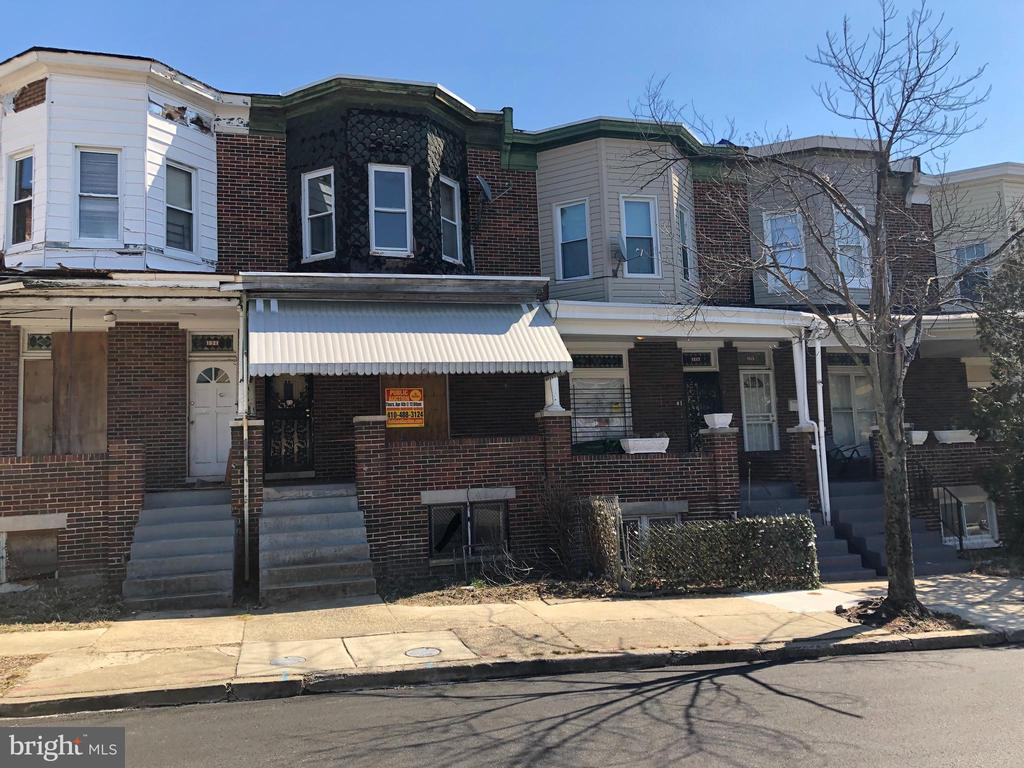 ONLINE AUCTION. Bidding begins 8/20 @ 10:00 AM. Bidding ends 8/28 @ 3:30 PM. List Price is Suggested Opening Bid. 2 Story Townhome in Easterwood. Property is vacant. 10% Buyer's Premium. Deposit $2,000. For full Terms and Conditions contact auctioneer~s office.
