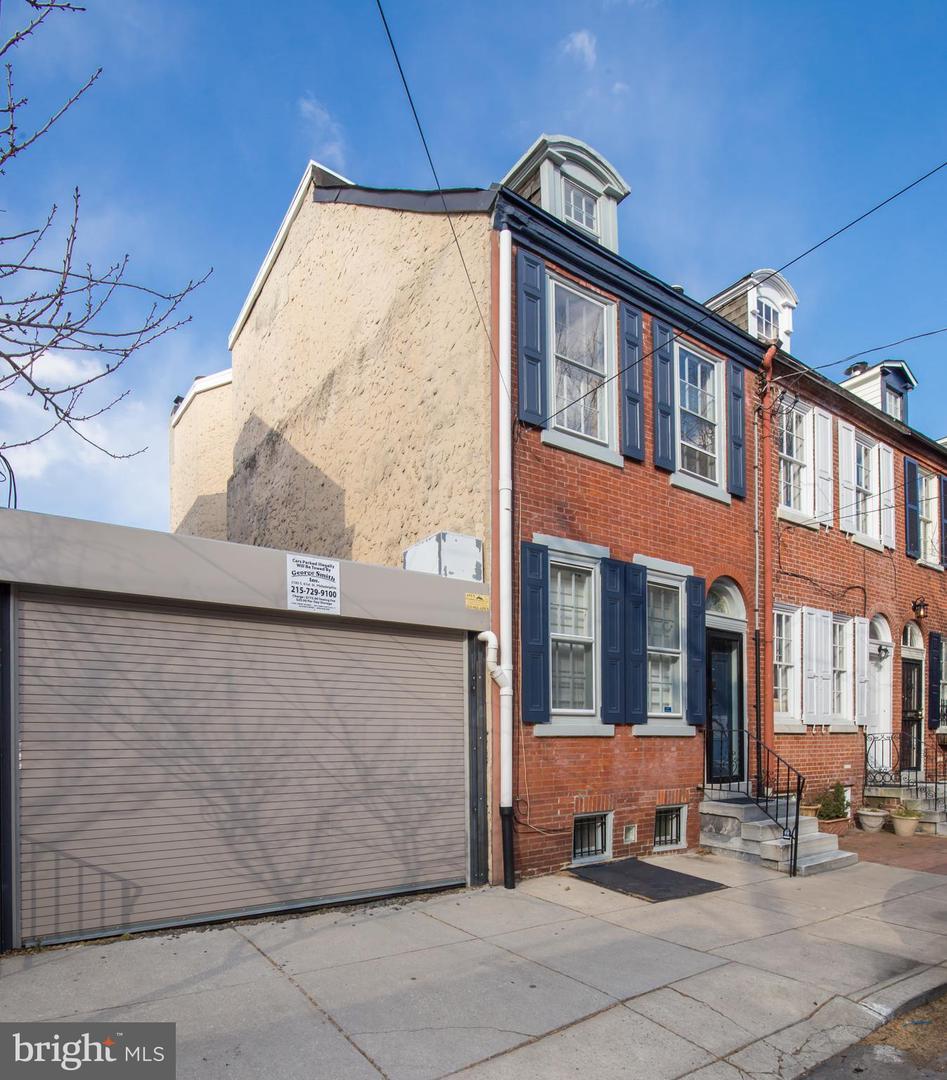 321 Queen Street Philadelphia, PA 19147