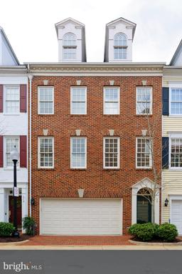 Property for sale at 20 Alexander St, Alexandria,  Virginia 22314