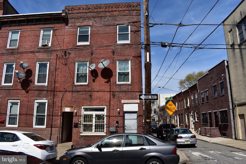 1301 Federal Street Philadelphia, PA 19147