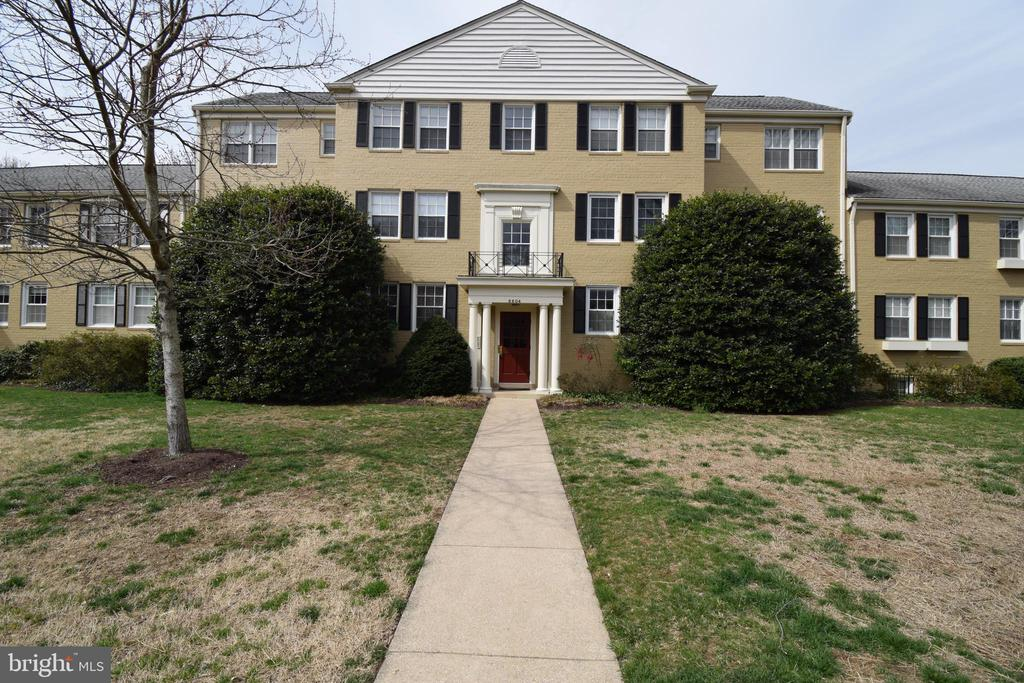 6604 10th St #B2, Alexandria, VA 22307