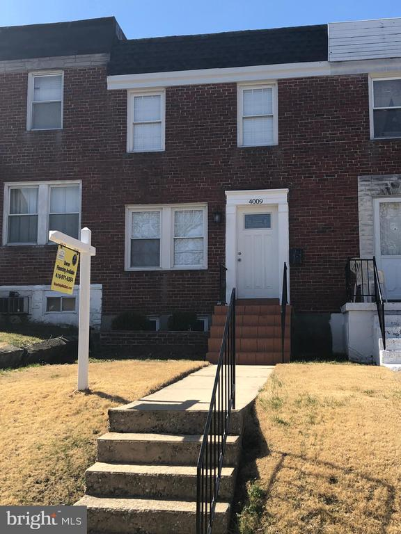 MUST SEE, Gorgeous EOG, completely renovated 3BR, 2BA plus completely finished basement, private parking and mush more Bad credit ok, No Banks, Seller financing up to 40 years, Call for details