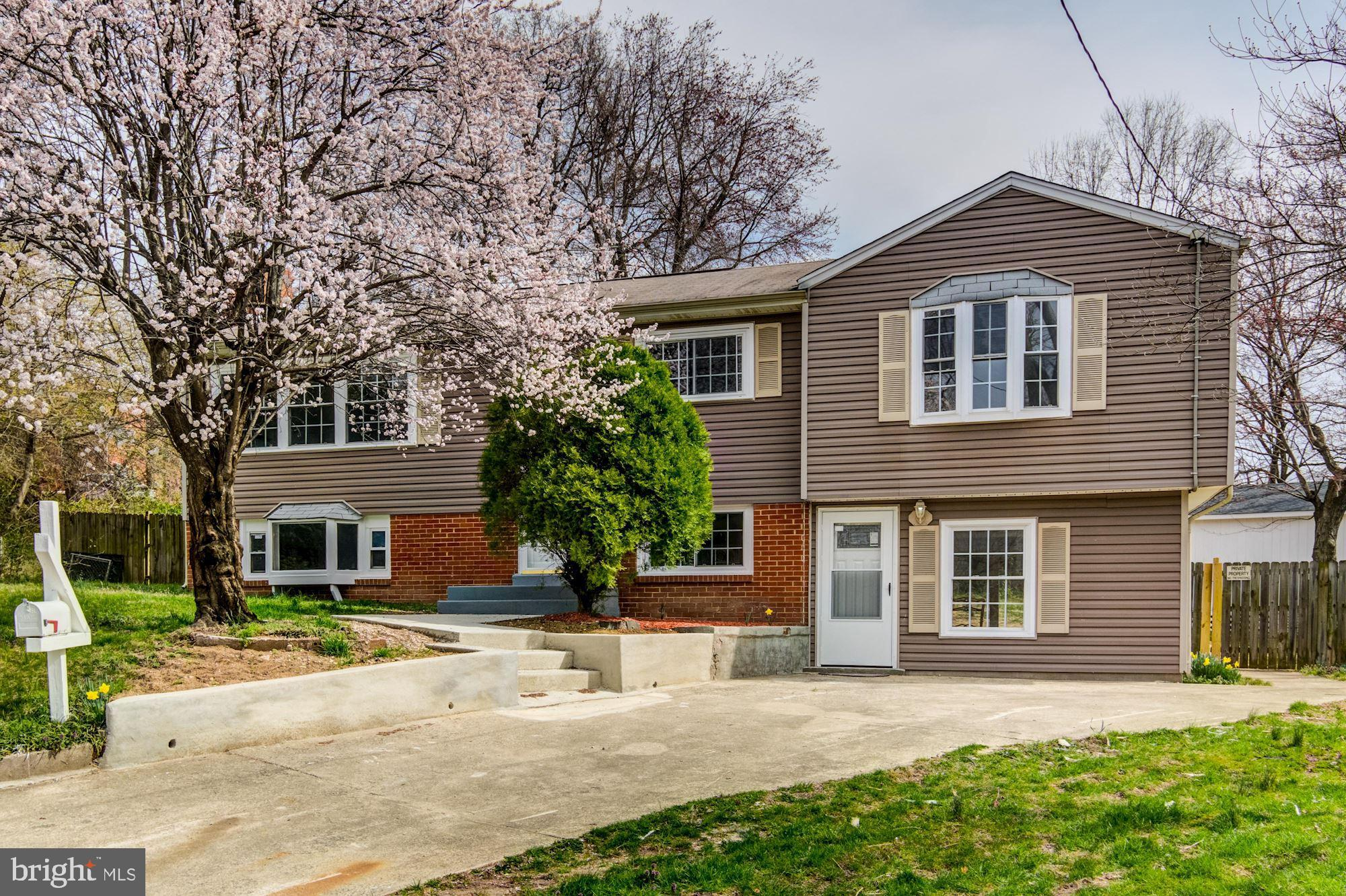 Beautiful Renovated  3 Bed 3 Bath, NEW BATHROOMS , NEW KITCHEN, MASTER BEDROOM SUITE LIVING ROOM FAMILY ROOM REC ROOM -WOOD FLOORS ALL AROUND THE HOUSE AND MUCH MORE./ NEW HVA SYSTEM