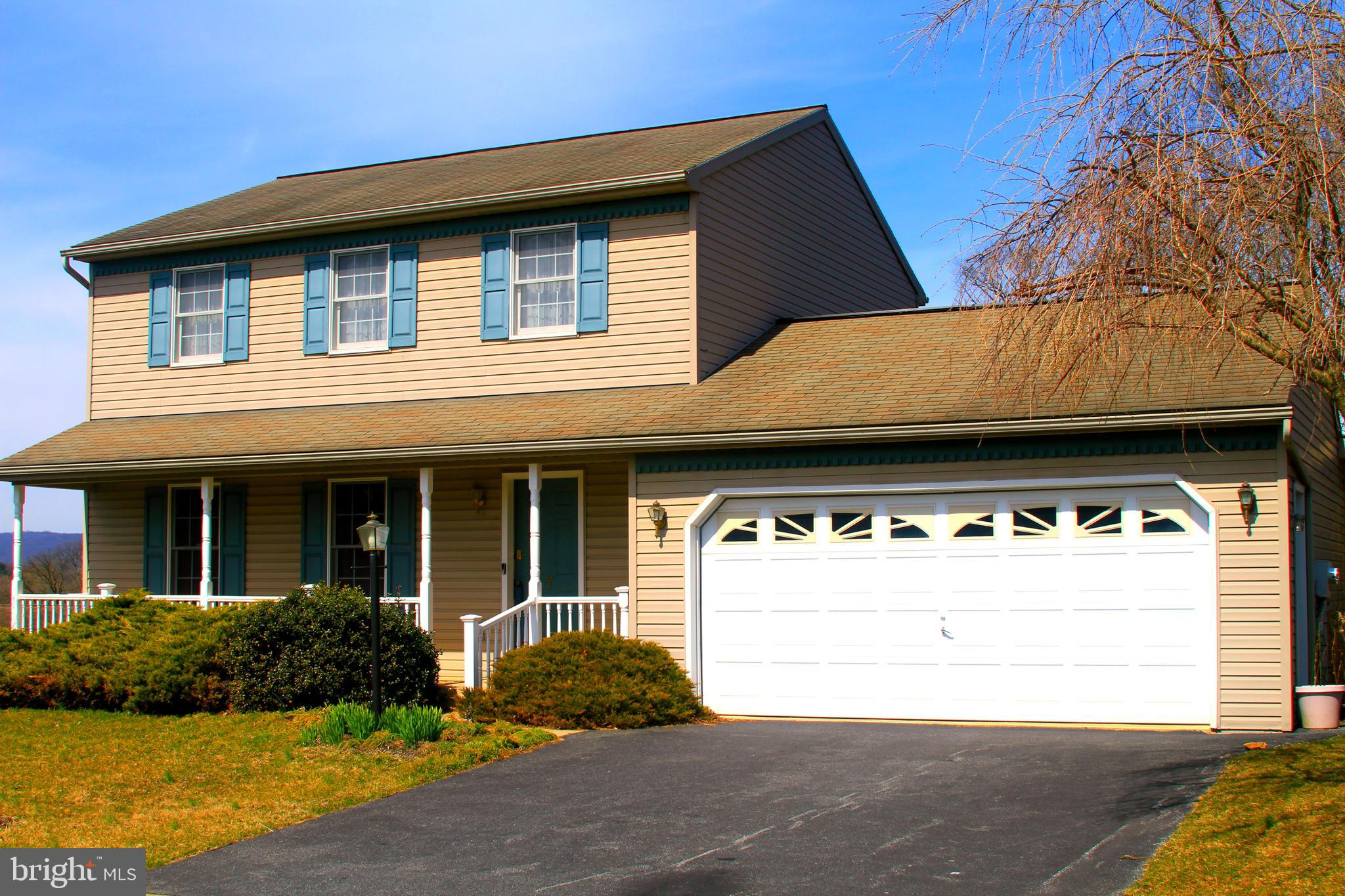 7 STEEPLE COURT, REINHOLDS, PA 17569