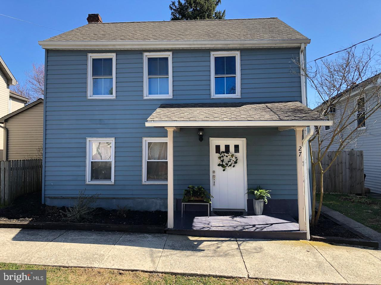 27 E HIGH STREET, MAYTOWN, PA 17550