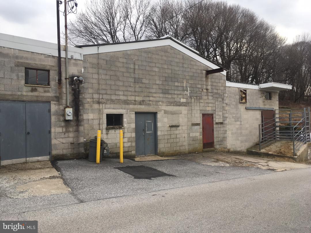 73 W MAIN STREET, WINDSOR, PA 17366