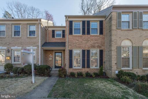 10302 Hampshire Green Ave, Fairfax, VA 22032