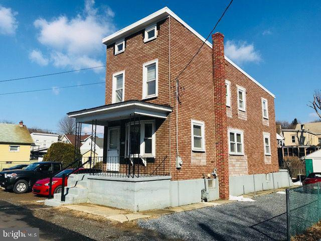 208 CANAL STREET, PORT CARBON, PA 17965