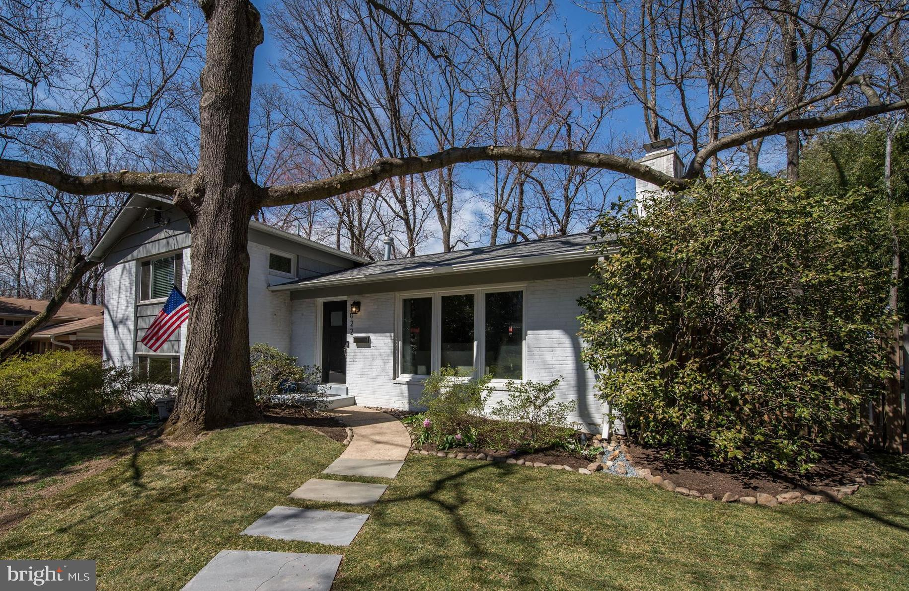 Offers Due Monday 4/1/19 at 4pm. Renovated 4 bedroom, 3 bath home on a quiet cul-de-sac in FallsChurch! Enjoy a sunny living room with hardwood floors anda wood burning fireplace with brick surround. A formal diningroom is followed by an updated gourmet kitchen featuring granite counters,recessed lighting and stainless steel appliances, all opening to a backpatio that~s perfect for entertaining. Upstairs find a master suitefollowed by two more bedrooms down the hall, sharing a hall bath.Downstairs find a large rec room with wood burning fireplace,fourth bedroom with separate side entrance, hall bath, laundryroom and loads of storage. All this along with a gorgeous fullyfenced back yard and just steps to Holmes Run Stream Valley Park!
