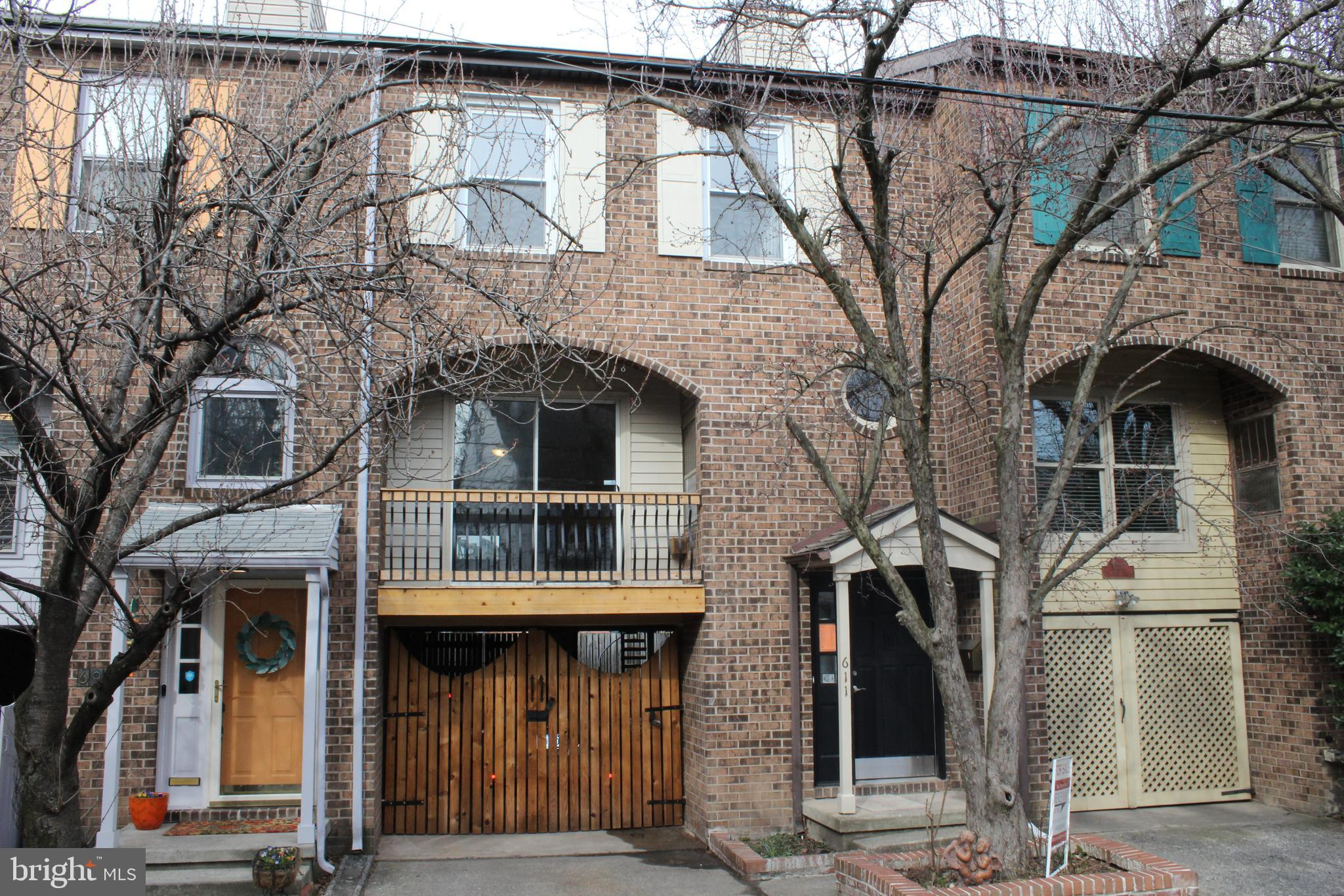 611 SHOWERS STREET, HARRISBURG, PA 17104