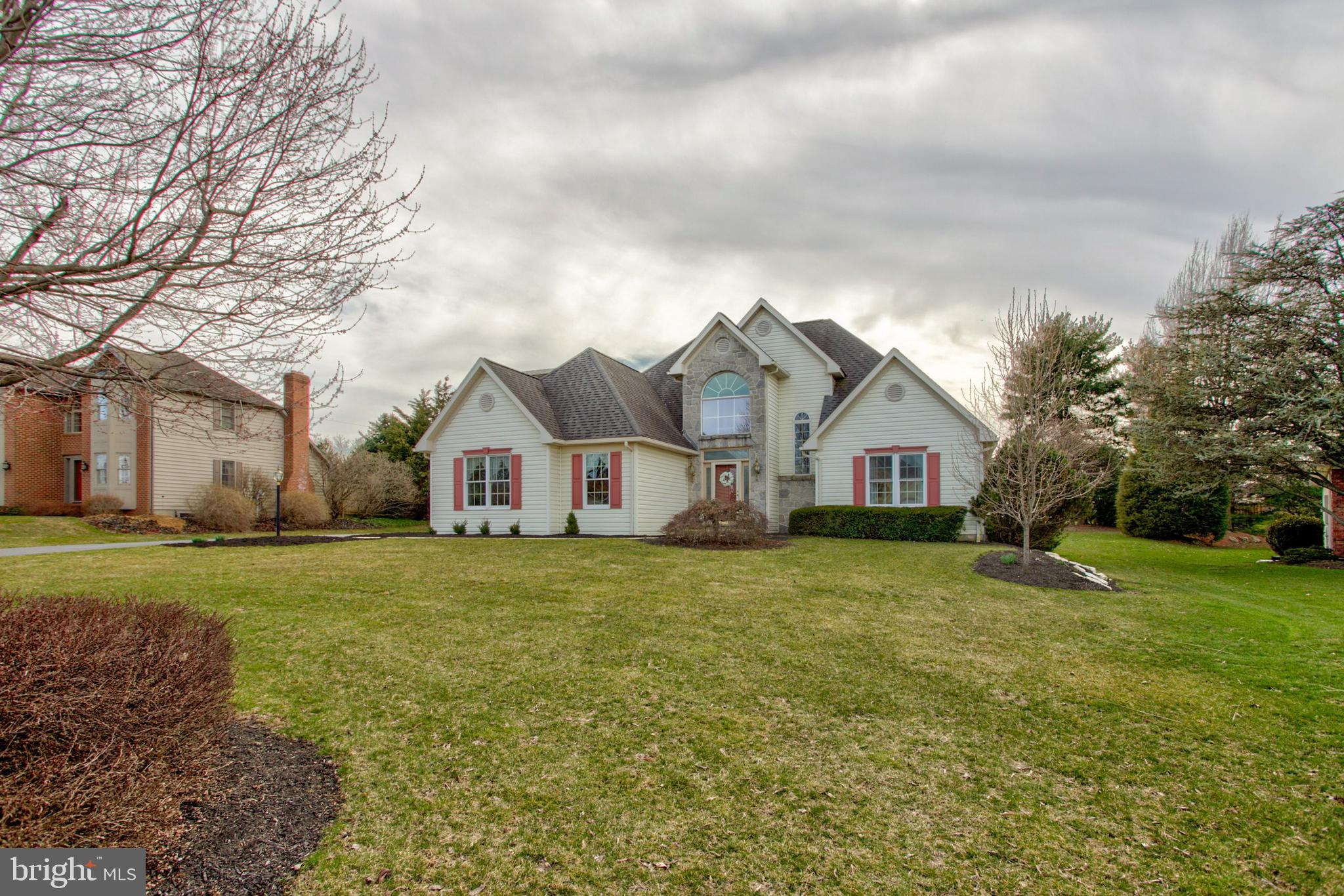 432 SPRING HOLLOW DRIVE, NEW HOLLAND, PA 17557