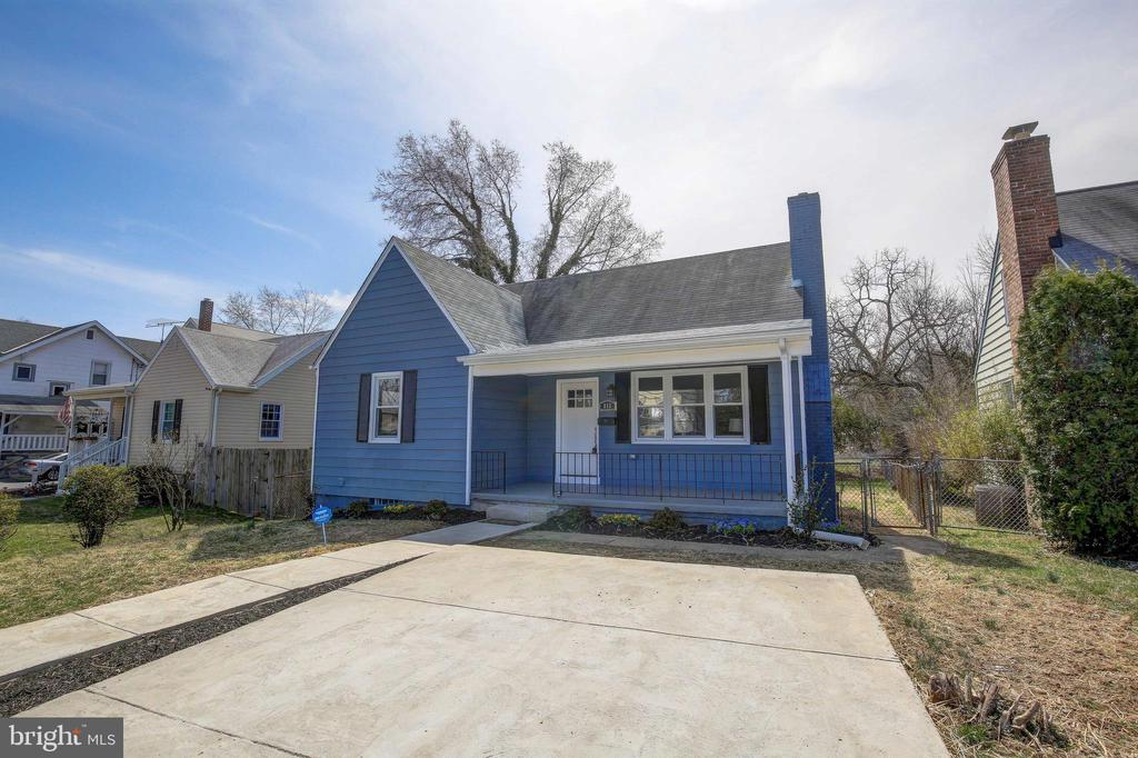 Renovated Cape Cod. Fresh painted. New Kitchen w/countertops. SS/ Appliances . New baths, Floors, Windows, A/C. Heat & much more to be enjoyed.