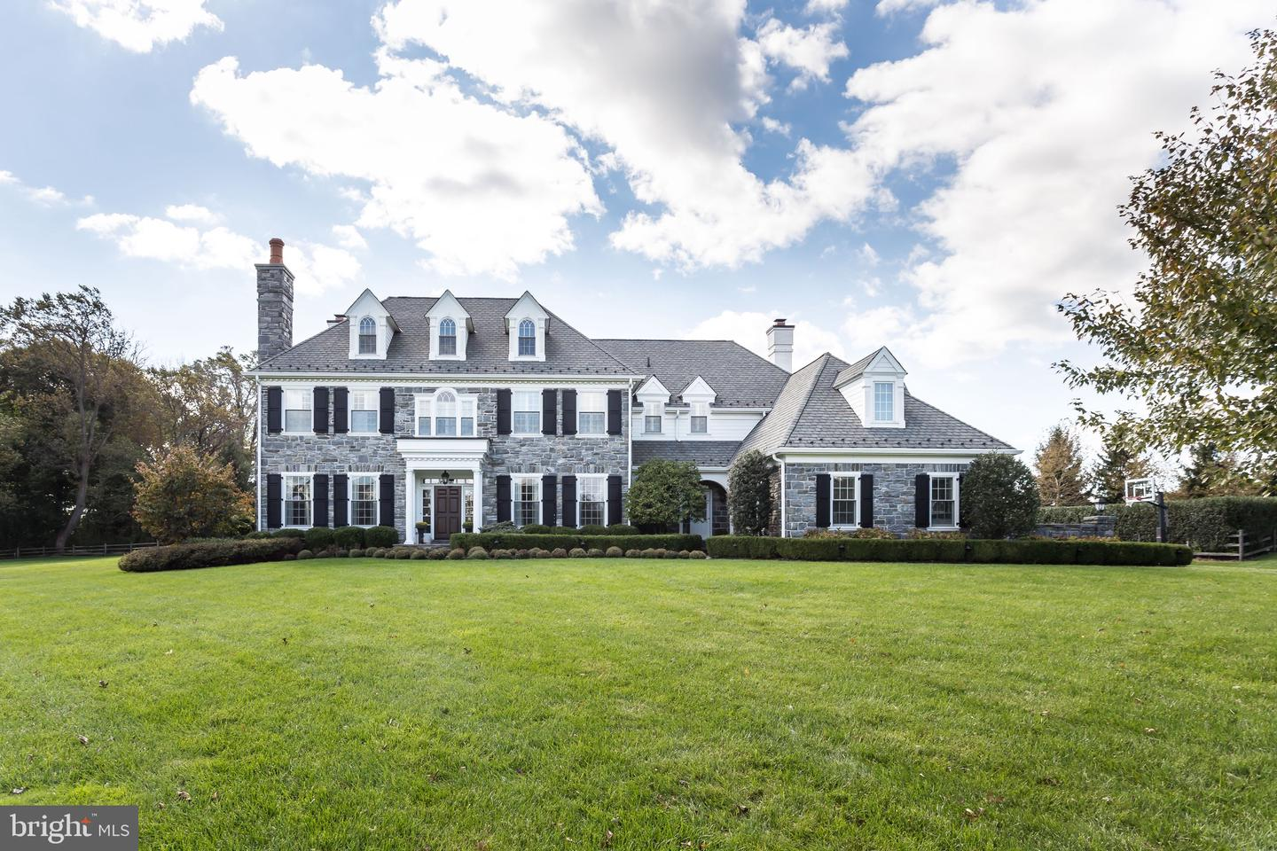 6 Withers Lane Newtown Square, PA 19073