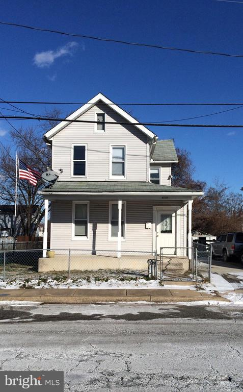 PRICED TO SELL! Sellers are motivated!!! Property will be vacant May 14, 2019