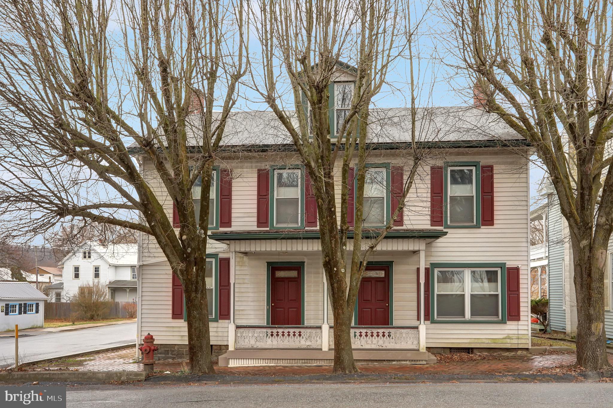 122 S CARLISLE STREET, NEW BLOOMFIELD, PA 17068