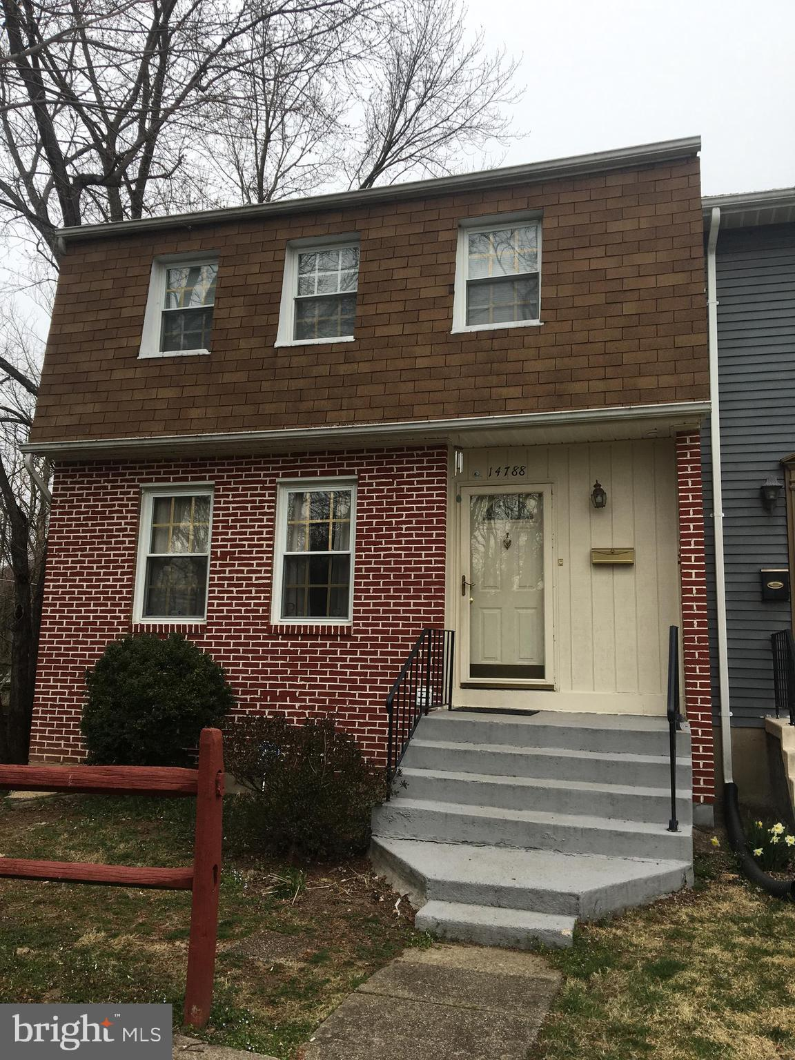 Spacious end unit.Fresh painted thru out, updated cabinets & windows, ceramic back splash, cleaned the Carpets an made improvements over the year. Newer Carpet in the Living Rm. Spacious Dining Room. Basmt finished & walks out to a fenced yard-backs to common area.Easy access to shopping, schools, church and major roads.FIOS ready, Community Pool-Home inspection items completed