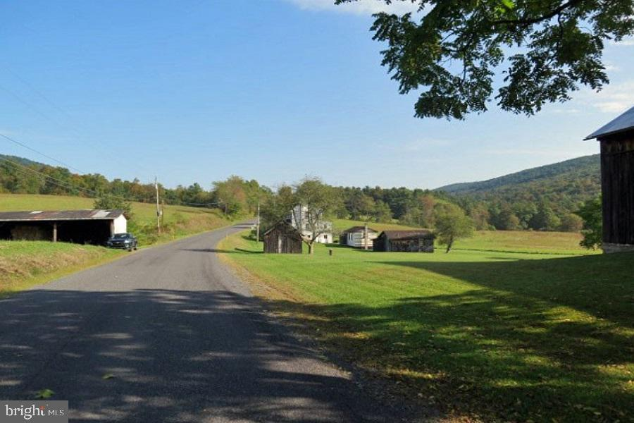 22073 COLES VALLEY, ROBERTSDALE, PA 16674