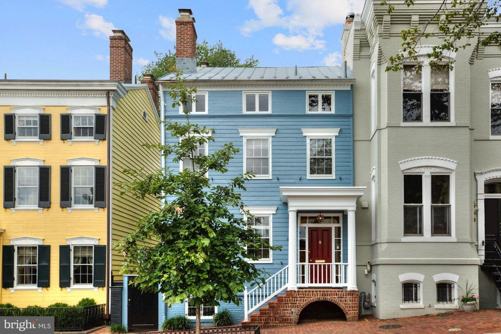 Quintessential Georgetown home for rent! 5 BR, 3.5 on 4 floors. Built in the mid-1800s and renovated in 2015. All new kitchen and baths, new windows and skylights . Master Suite with deck overlooking exquisite gardens - gardens newly designed by renowned landscape architect Andrea Filippone. Detached 2-car garage! 4 zones for HVAC.  Showings By Appointment. 2 year minimum lease - landlord prefers 4 to 5 years - No pets.