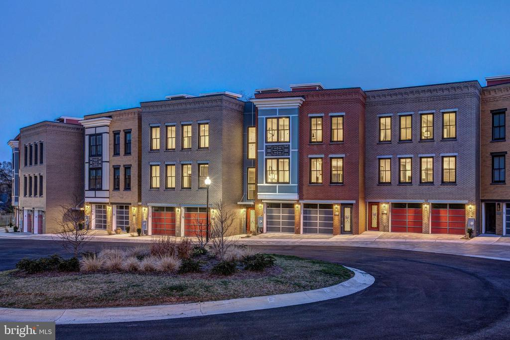 Priced to Sell!  Only a few homes remain at Brookes Ridge.   Stylishly designed and spacious town homes with beautiful views.  Features include two car garage, elevator, floor-to-ceiling windows, and expansive roof decks.  Walking distance to the C&O Canal Trail & to Starbucks - just minutes from downtown DC.