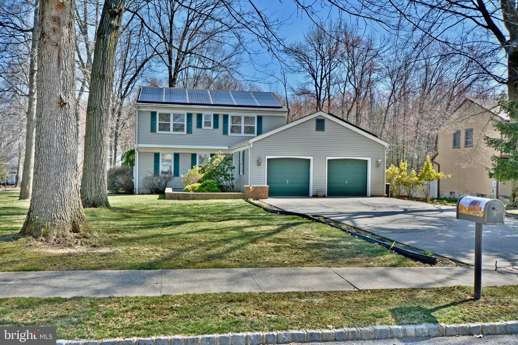 1 SHADY LANE, KENDALL PARK, NJ 08824
