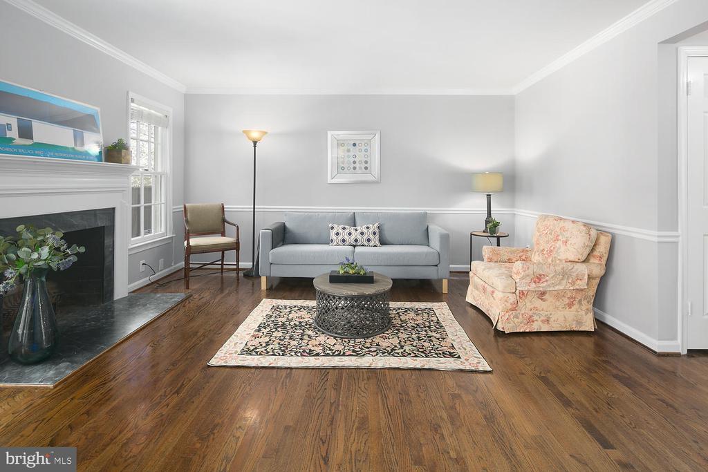 1796 Duffield Ln, Alexandria, VA 22307