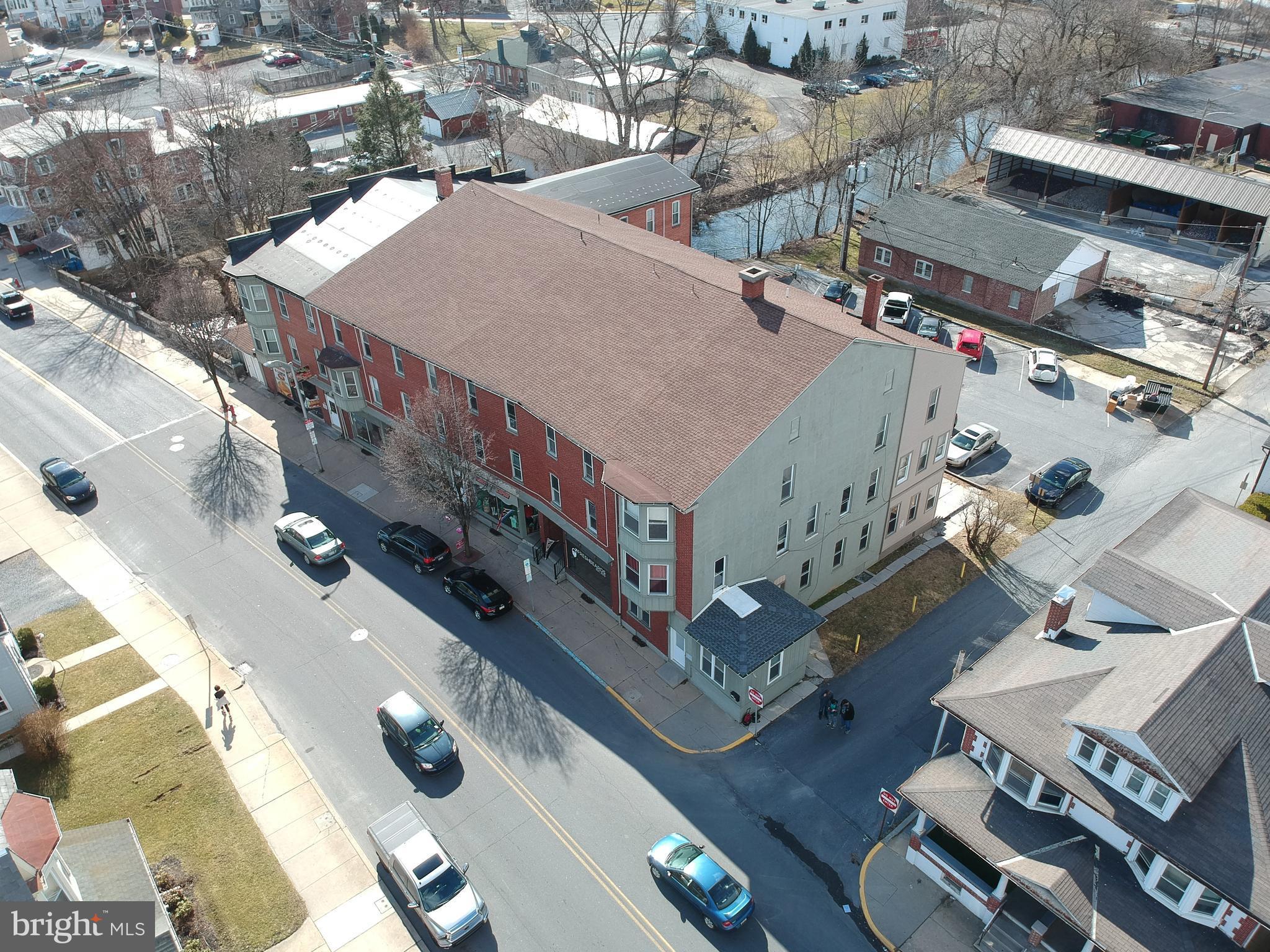 11 E MAIN STREET, KUTZTOWN, PA 19530